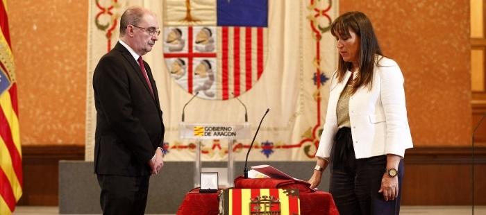 Sira Repollés toma posesión de su cargo como consejera de Salud